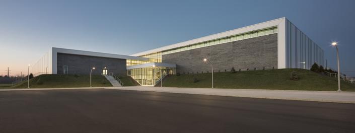 Conception du centre sportif constitué de 2 patinoires d'un centre aquatique, de salles d'entraînement ainsi que d'un restaurant